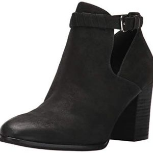 NIB Via Spiga Samantha leather bootie US 7.5